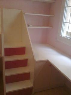 zona de almacenamiento de dormitorio a medida para acoplar dos camas