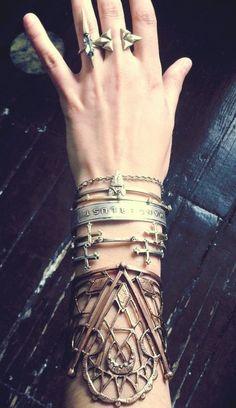 boho bracelets and accessories Boho Chic, Hippie Chic, Soft Grunge, Bling Bling, Mode Boho, Hipster, Estilo Boho, Rocker Chic, Heart Earrings