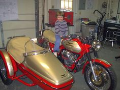 Another photo of the 1975 Moto Guzzi T-3 with sidecar