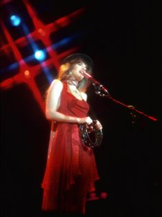 Stevie Nicks's Style Evolution: 15 of Her Grooviest, Witchiest Looks | Vogue Members Of Fleetwood Mac, Ballet Clothes, Ballet Outfits, Stephanie Lynn, Women Of Rock, Music Icon, Stevie Nicks, Embellished Dress, American Singers