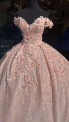 Xv Dresses, Debut Dresses, Quince Dresses, Ball Gown Dresses, Stunning Prom Dresses, Beautiful Dresses, Mexican Quinceanera Dresses, Sweet 15 Dresses, 15 Birthday