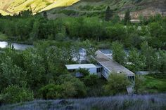 river-place-home -trusses-cantilever-both-ends-5-main-building.jpg