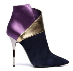 Diego Dolcini Purple and Gold High Heeled Ankle Boots Fall-Winter 2011 Dream Shoes, Crazy Shoes, Me Too Shoes, Heeled Boots, Bootie Boots, Shoe Boots, Ankle Boots, Stiletto Boots, Boot Heels