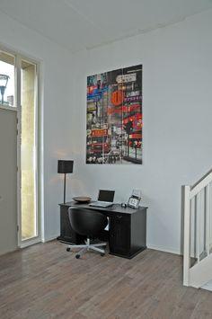 www.debergpoort.nl  Een eigenappartement met eigen opgang. Heerlijk bed and breakfast in Deventer en ook aan een bureau met laptop is gedacht. Gratis WIFI