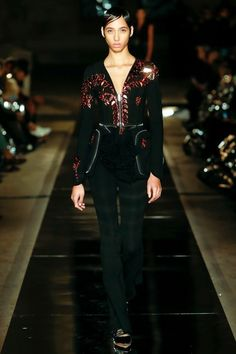 View the complete Givenchy Spring 2017 collection from Paris Fashion Week.