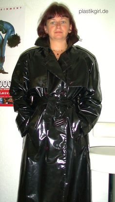 traditional PU mac from the 1990s - made in UK - get used pvc vintage wear from the KEMO Marketplace http://kemo-cyberfashion.de