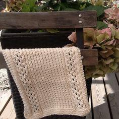 Oppvaskklut, Bittamis design, Bird Cherry My Design, Cherry, Bird, Blanket, Knitting, Crochet, Tricot, Birds, Breien