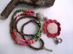 Bettelkette  ★ Häkelblüte  ★ Holzperlen  von  ★ JOSEFINE1961 ★ auf DaWanda.com