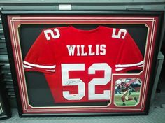 #patrickwillis #custompictureframing #frameyourphotos #framedmemrobilia #lntframing #pictureframing #sportsmemrobilia #footballmemrobilia #49ermemrobilia #49ers #shadowbox #jerseyshadowbox #jerseys #customframing #bayarea #sfbayarea