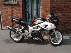 Suzuki Sv 650 Flaming Blanc Peintre: Fabrice Suzuki Sv 650, Motorcycle, Bike, Vehicles, Bicycle, Motorcycles, Bicycles, Car, Motorbikes