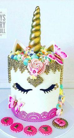 Wow this cake is amazing! Unicorn birthday cake
