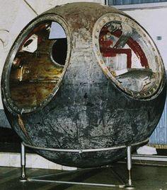 Vostok 3KA-2 test space capsule