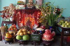 Rất nhiều gia đình, cửa hàng, văn phòng công ty đang đặt bàn thờ thần tài dưới nền nhà. Nhiều gia đình đã có bàn thờ Thần linh, Gia tiên thậm chí có cả bàn thờ Phật vẫn đặt bàn thờ Thần tài. Điều này đúng hay sai, có cần thiết không trước hết cần […]