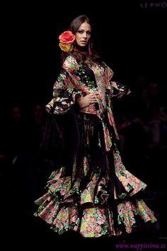 Dance Fashion, Live Fashion, Fast Fashion, Skirt Fashion, Fashion Art, Boho Fashion, Flamenco Dancers, Flamenco Dresses, Spanish Costume