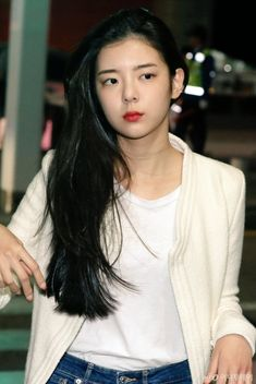 South Korean Girls, Korean Girl Groups, Kpop Fashion, Girl Fashion, Wattpad, Korean Celebrities, Airport Style, Kpop Aesthetic, Photography Gallery
