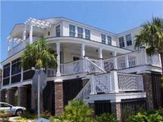 Pawleys Island, SC: Brand new, exceptional beach home on the north end of Pawleys Island w/breathtaking views of the creek and is only a short walk to the beach. Main flo...