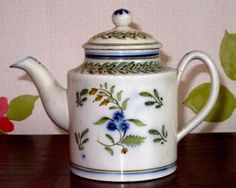 Early Antique Pearlware Miniature Teapot c.1800 - Yorkshire/Leeds-Rainforth,,Good antique condition - lid knop has been off, possible very good past restoration on spout 67.90