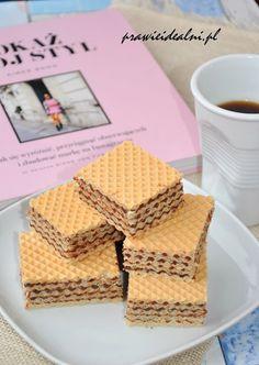 Prawie Idealni: Wafle kakaowe z mlekiem w proszku Bread, Cooking, Sweet, Food, Kitchen, Photography, Candy, Cuisine, Cuisine