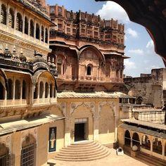 The stunning Mehrangarh Hindu Fort, Jodhpur, India
