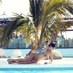 ¡A lucir el #bikini! Laura Sánchez para la colección SuperStars de Bloomers&Bikini.