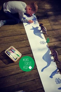Shadow drawing with toy dinosaurs! Dinosaur Activities, Craft Activities For Kids, Infant Activities, Projects For Kids, Diy For Kids, Crafts For Kids, Dinosaur Art Projects, Dinosaurs Preschool, Lego Activities