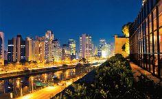 Vales, colinas, serras, picos, parques, rios, viadutos, bairros exclusivamente de casas e áreas ocupadas quase que integralmente por prédios garantem à cidade de São Paulo - Brasil, uma configuração única.