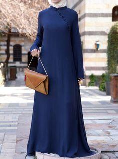 SHUKR's long dresses and abayas are the ultimate in Islamic fashion. Hijab Style Dress, Hijab Chic, Islamic Fashion, Muslim Fashion, Modest Dresses, Modest Outfits, Abaya Fashion, Fashion Dresses, Estilo Abaya