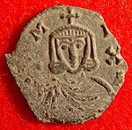 Michel Ier Rhangabé, empereur byzantin de 811 à 813- CHARLEMAGNE. 4) BIOGRAPHIE. 4.6 COURONNEMENT IMPERIAL (25 décembre 800). 4.6.6 LA REACTION BYZANTINE, 3: A l'automne 801, Irène propose à Charles un projet d'union matrimonial destiné à réunifier l'Empire romain, mais l'aristocratie byzantine, hostile à Irène, voyant dans ce projet un acte sacrilège, organise un coup d'Etat en octobre 802 contre l'impératrice.