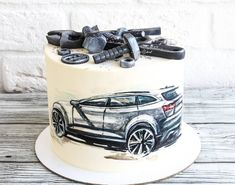 Нет описания фото. Pretty Cakes, Beautiful Cakes, Amazing Cakes, 50th Birthday Cakes For Men, Hand Painted Cakes, Couture Cakes, Brownie Cake, Cake Boss, Fancy Cakes