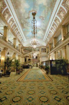 Beautifully Elegant foyer! Downtown Milwaukee weddings