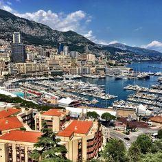 #Rocher Vista a la bahía de Monte-Carlo desde el Palacio de Mónaco  by mariotorre_ from #Montecarlo #Monaco
