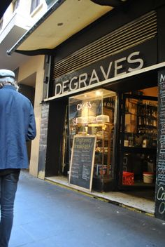 Degraves st, Melbourne. Where I once had a very special dinner!
