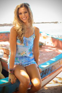 Luisa Meirelles para Avonts Rio #gypsy #boho #avonts #summer #kimono #fashion #editorial #cartagena #avonts #luisa meirelles #bohemian #boat #beach #sun