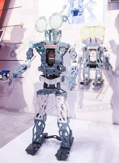 """Meccanoids are """"personal robot friends"""" you can build 