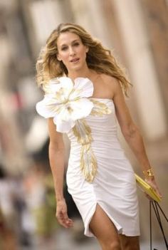 The SUPER sized corsage! Carrie Bradshaw.