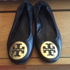 TORY BURCH Reva flats Re-poshing black with gold accent Tory Burch Reva flats. Extremely comfy. Pre loved but still in great condition. They did not come with a box Tory Burch Shoes Flats & Loafers