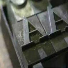 ابزارهای چاپ برجسته لازمه انجام یک کار تمیز و سریع برای هر فراگیر چاپ، این است که ابزارهای مورد نیاز کار را به صورت کاملا منظم و سالم در اختیار داشته باشد.
