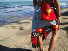 Papua New Guinea jean-skirt with 'bilum' PNG-flag hem. #PapuaNewGuinea #fashion