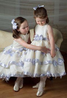 Check out the SWAROVSKI ELEMENTS Wedding Directory | swarovski-elements.com/wedding
