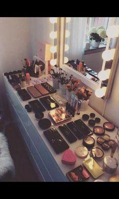 Naked  makeup <3