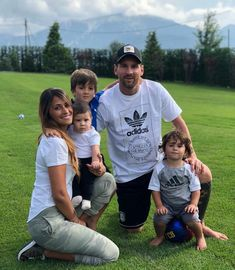Messi with our beautiful family Team Messi, Lional Messi, Messi Goals, Antonella Roccuzzo, Lionel Messi Biography, Lionel Messi Family, Cr7 Junior, Lionel Messi Wallpapers, Madrid