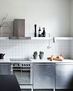 simple + scandinavian kitchen