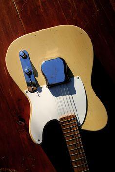Fender Stratocaster, Fender Guitars, Fender Vintage, Vintage Guitars, Fender Esquire, Beautiful Guitars, Rock Posters, Toot, Cool Guitar