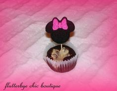 Cute Minnie Mouse cup cake toppers