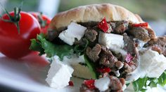 Tidenes kosemat: Hjemmelaget kebab med brioche, feta og grønt