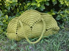 I loved it!! Crochet bag with pistachio graph. Simple but beautiful. Kisses. - Crochet Designs Free