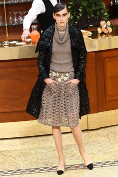 Chanel Fall 2015 Ready-to-Wear Collection Photos - Vogue