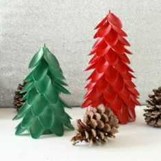 Up-cycle some plastic spoons into festive Christmas Tree decor!