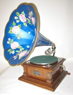phonographs for sale antique phonographs graphophones gramophones talking… Retro Record Player, Record Players, Edison Phonograph, Gramophone Record, Columbia, Music Machine, Vintage Records, Vintage Soul, Gilded Age