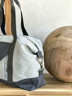 Reisetasche fürs Handgepäck nähen mit der JetSet der Taschenspieler 4 von farbenmix  Ein Ebook oder CD mit 10 Taschenschnitten mit Schritt für Schritt Anleitung und Videoanleitung. So einfach ist Taschennähen - auch für Anfänger - Schnittmuster von farbenmix